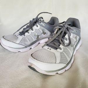 UA Under Armour Ladies Assert 6 Micro G Sneaker